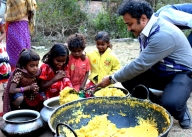 This Bengal teacher collects, cooks food to feed the impoverished (IANS Special Series)