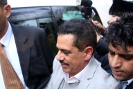 Robert Vadra at ED for 2nd day of questioning