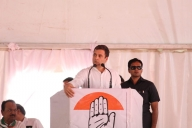 Modi, defence deals take centre stage at Rahul's rallies (Lead)